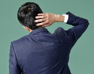 頭皮のかゆみは放っておくと危険 ロート製薬 商品情報サイト